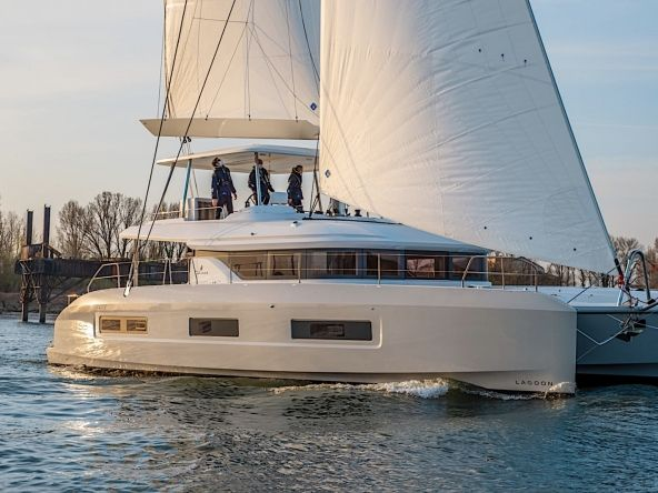 Lagoon 55 for sale